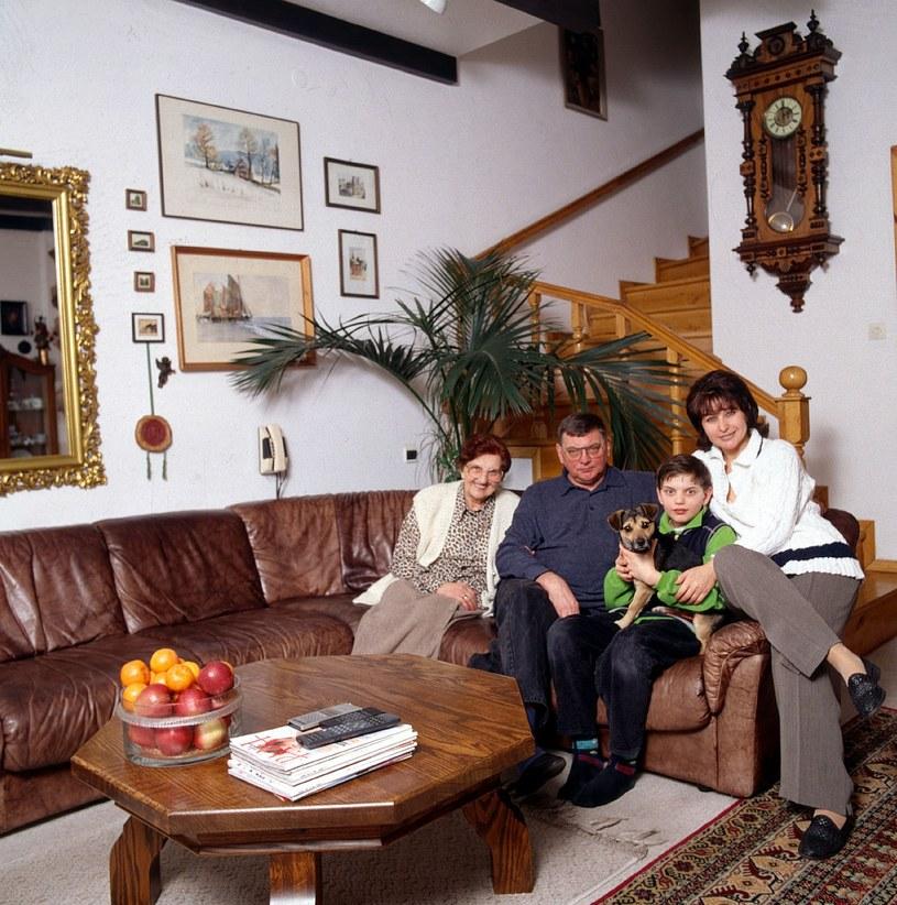 Krystyna Giżowska z rodziną (1999 r.) /Igor Snieciński /Reporter