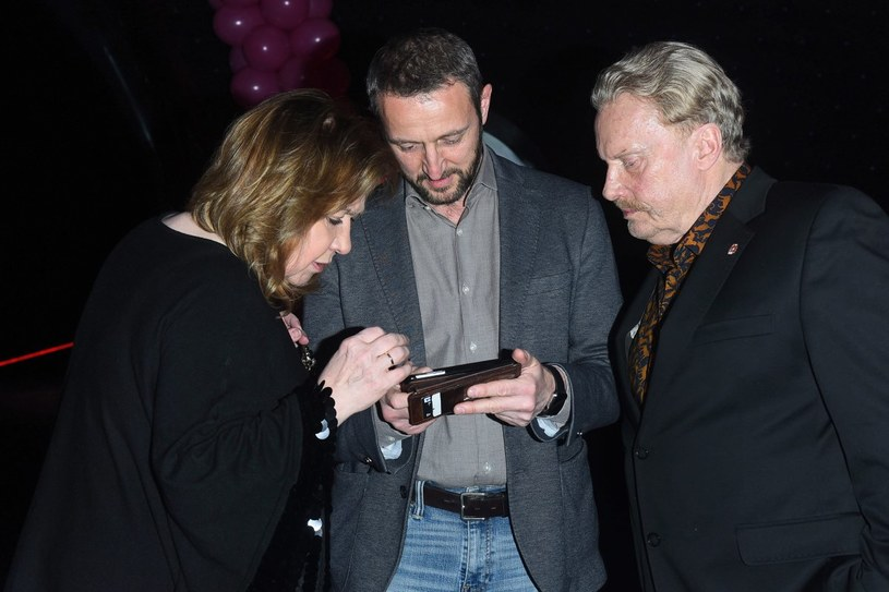 Krystyna i Daniel Olbrychscy z Robertem Śmigielskim /Andras Szilagyi /MWMedia