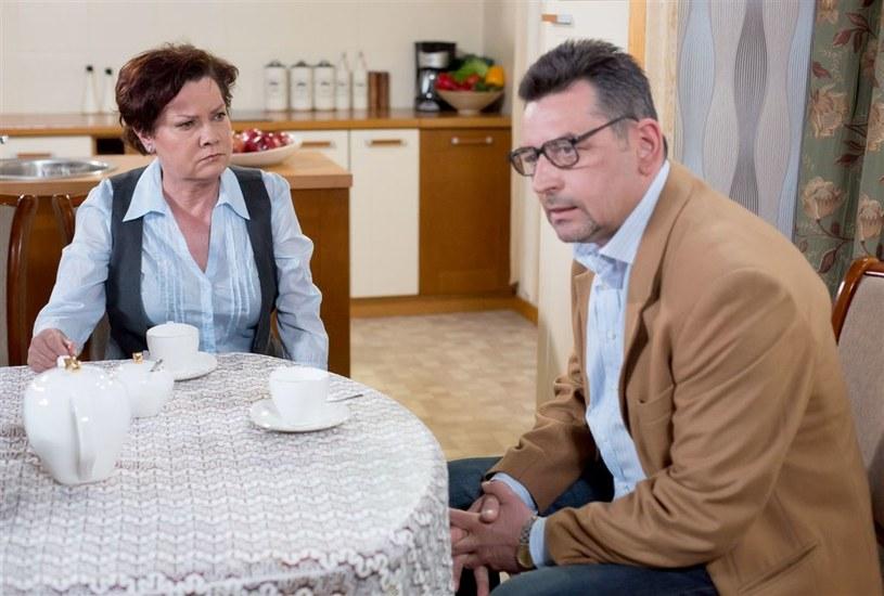 Krystyna i Leszek (Agnieszka Kotulanka i Artur Dziurman), choć są rodzeństwem, nie zawsze żyli w zgodzie... /Agencja W. Impact