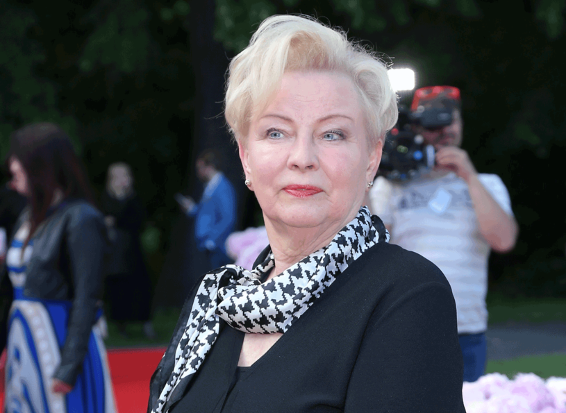 """Krystyna Kofta studiowała malarstwo  i filologię polską. Zadebiutowała  w 1978 roku powieścią """"Wizjer"""".  Jest autorką  wielu książek, scenariuszy filmowych,  sztuk teatralnych  i felietonów /Paweł Wrzecion /MWMedia"""