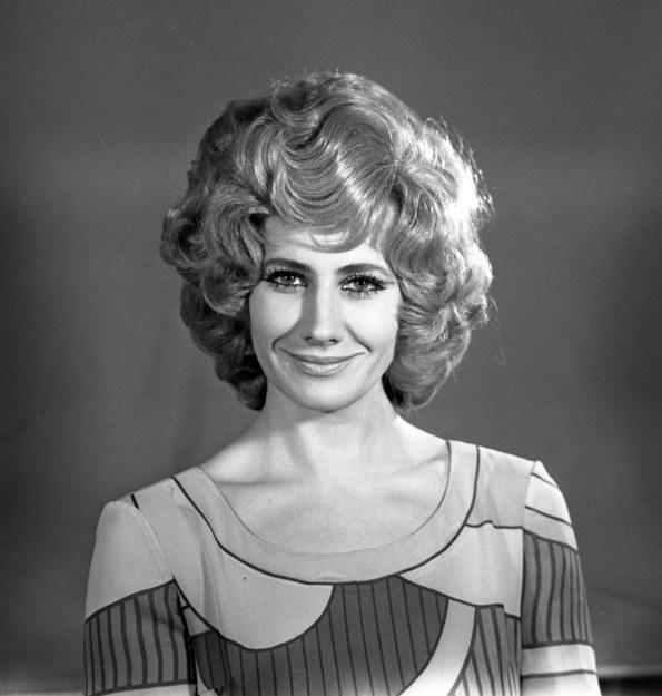 Krystyna Loska - w Telewizji Polskiej pracowała jako prezenterka i konferansjerka. Prowadziła festiwale m.in. w Sopocie i Opolu