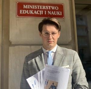 """Krytykował ministra Przemysława Czarnka, został wezwany na rozmowę. """"Nie cofnąłem swoich słów"""""""