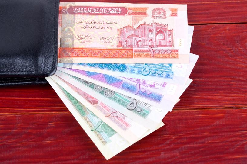 Kryzys bankowy w Afganistanie! Na zdj. afgańskie banknoty /123RF/PICSEL