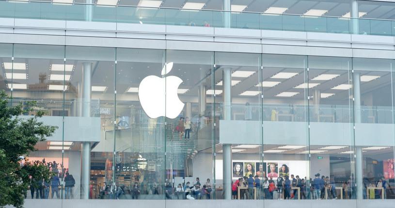 Kryzys dotknął również Apple /123RF/PICSEL
