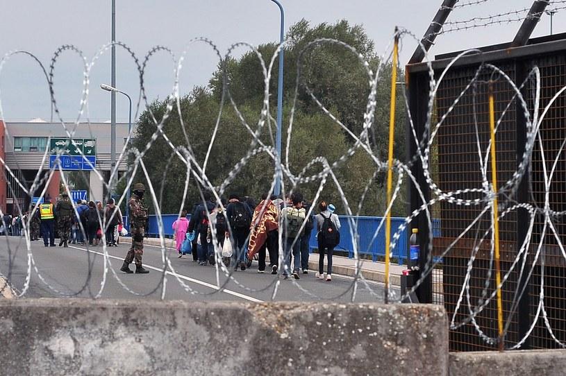 Kryzys migracyjny. Węgry zamknęły granicę z Chorwacją /AFP