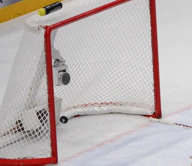 Kryzys w polskim hokeju pogłębia się /AFP