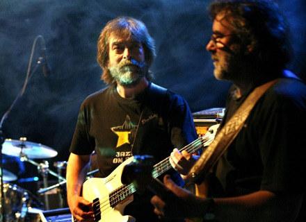 Krzak (Leszek Winder z prawej) /Oficjalna strona zespołu
