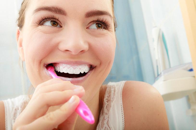 Krzemionka w paście do zębów /©123RF/PICSEL