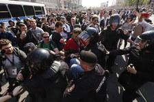 Krzyczeli, że Putin nie jest ich carem. Rosyjska policja zatrzymała ponad 1000 osób