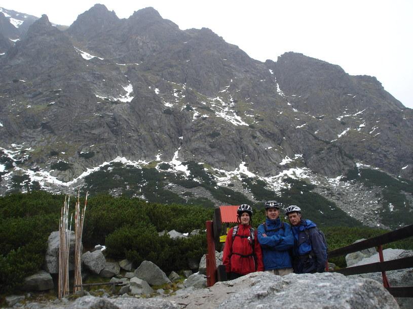 Krzyś Graczyk (z lewej) i Roman Graczyk (z prawej) na wyprawie rowerowej w Tatrach /INTERIA.PL