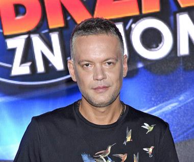"""Krzysztof Antkowiak o """"Twoja Twarz Brzmi Znajomo"""": Muzyk może pokazać, co potrafi"""