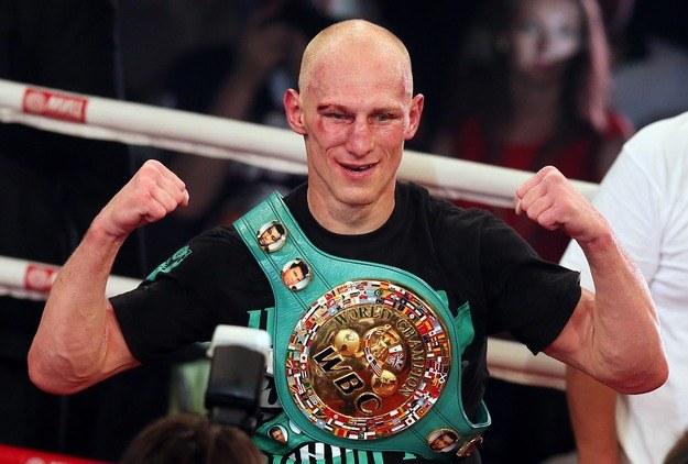 """Krzysztof """"Diablo"""" Włodarczyk podbił serca fanów boksu podczas ostatniej swojej walki /PAP/EPA"""