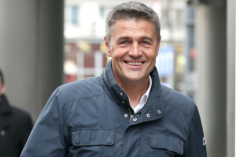 Krzysztof Hołowczyc to najbardziej znany i utytułowany polski kierowca rajdowy. Jest też ojcem trzech córek i mężem, który – gdy coś mu nie wychodzi, zawsze dzwoni  najpierw do żony /Paweł Wrzecion /MWMedia
