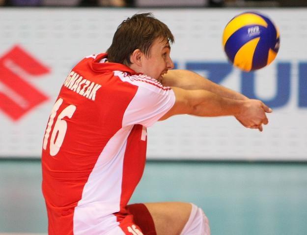 """Krzysztof Ignaczak, libero """"Biało-czerwonych"""" /www.fivb.org"""