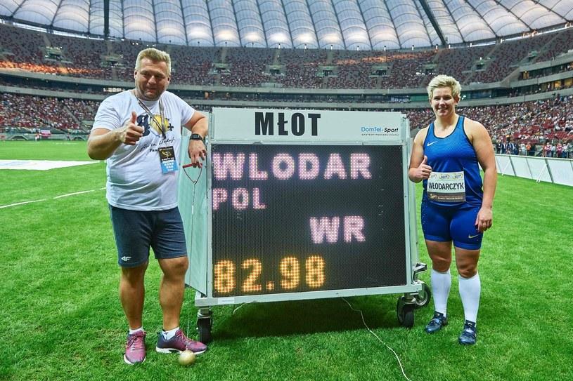 Krzysztof Kaliszewski z Anitą Włodarczyk /AFP