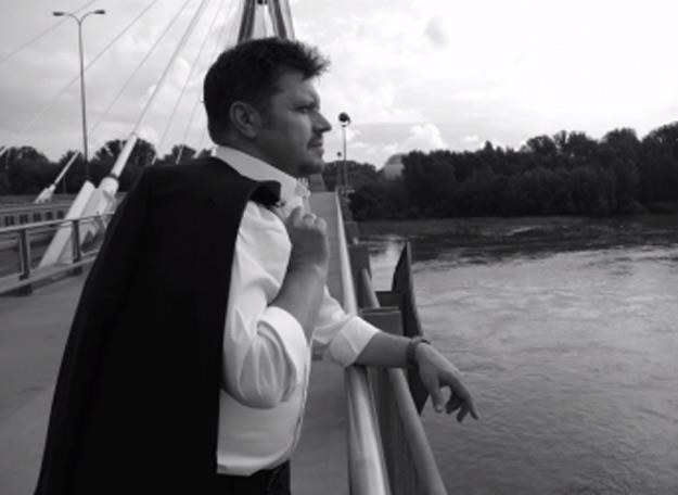 Krzysztof Kiljański zwiedza Warszawę /Kayax