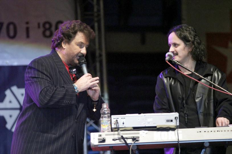 Krzysztof Krawczyk z synem na scenie /Tricolors /East News