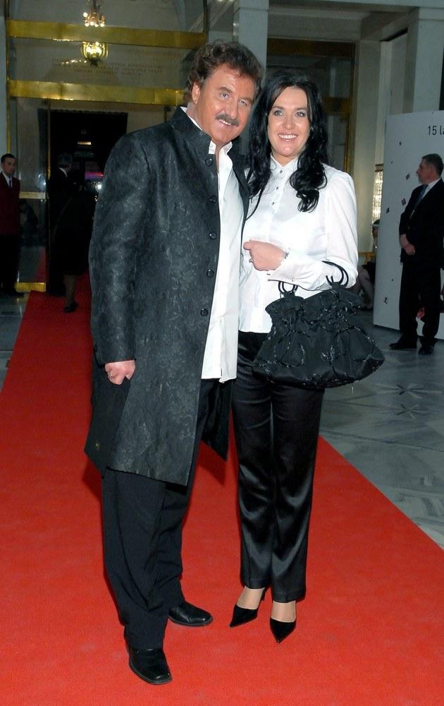 Krzysztof Krawczyk z żoną /- /MWMedia
