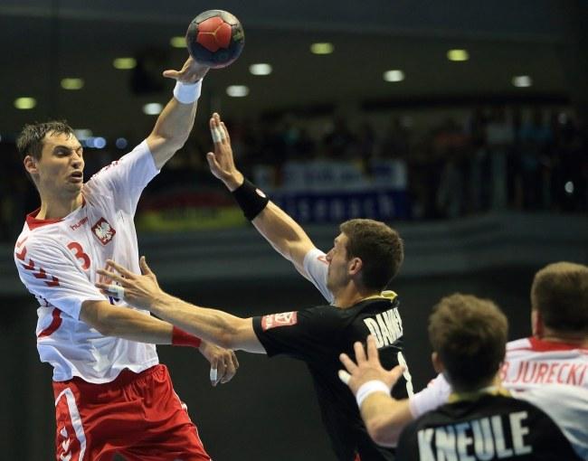 Krzysztof Lijewski (biała koszulka) /PAP/EPA