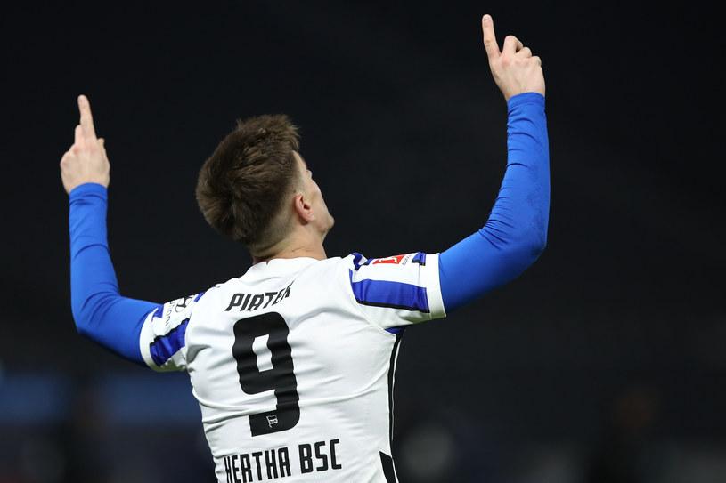 Krzysztof Piątek ma co świętować. Na dwa gole w jednym meczu czekał mnóstwo czasu /Getty Images