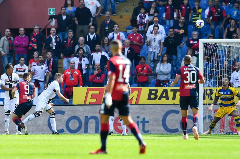 Krzysztof Piątek (numer dziewięć) strzela gola na 1-0 w meczu Genoa - Parma /Paolo Rattini /Getty Images