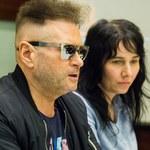 Krzysztof Rutkowski i jego perfekcyjna fryzura na konferencji