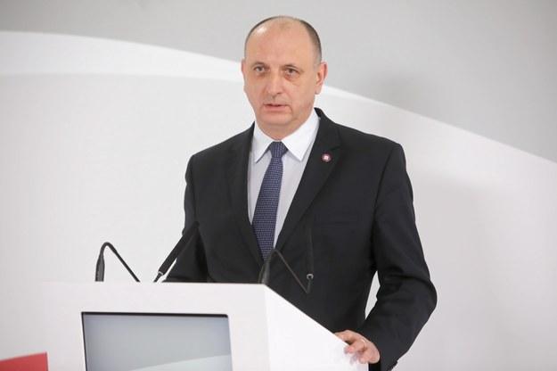 Krzysztof Saczka podczas konferencji prasowej w Ministerstwie Edukacji i Nauki w Warszawie /Wojciech Olkuśnik /PAP