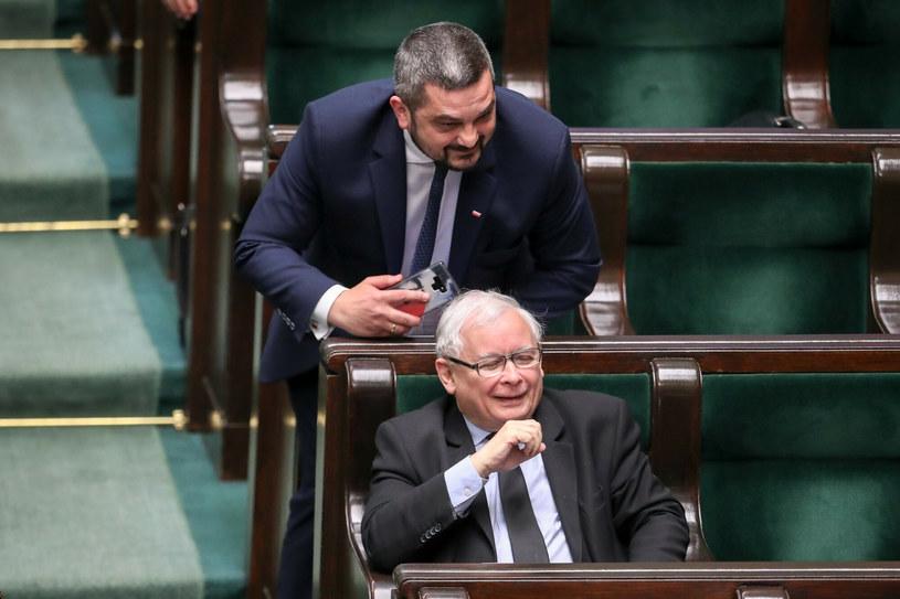 Krzysztof Sobolewski i Jarosław Kaczyński podczas czerwcowego posiedzenia Sejmu /Andrzej Iwanczuk /Reporter /East News