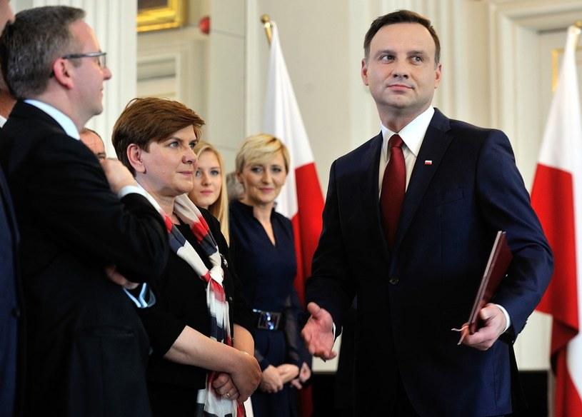 Krzysztof Szczerski i Beata Szydło zawsze blisko Andrzeja Dudy /Witold Rozbicki /Reporter