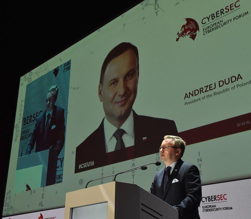 Krzysztof Szczerski podczas Cybersec 2016 /Jacek Bednarczyk /PAP