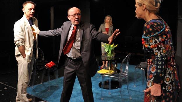 Krzysztof Tyniec i Artur Barciś na deskach Teatru Ateneum w sztuce Yasminy Rezy - fot. J. Domiński /Reporter