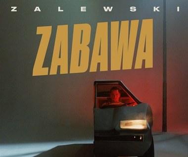"""Krzysztof Zalewski """"Zabawa"""": Domówka z idolem [RECENZJA]"""