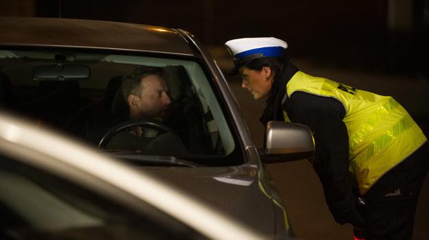 Krzysztof zamiast chodzić na terapię kontroli gniewu, uciekł w narkotykowe uzależnienie. Czy oprzytomnieje po zatrzymaniu przez policję? /x-news/ Radek Orzeł /TVN