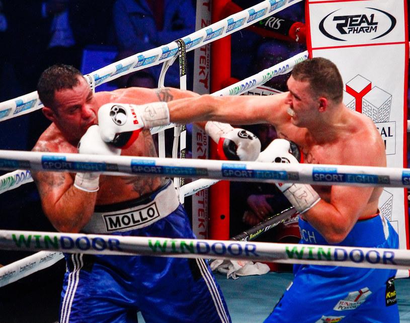 Krzysztof Zimnoch (z prawej) w walce z Mikiem Mollo /Sebastian Wolosz /East News