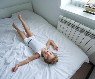 Krzywica u dzieci - jakie są jej przyczyny i jak się objawia?