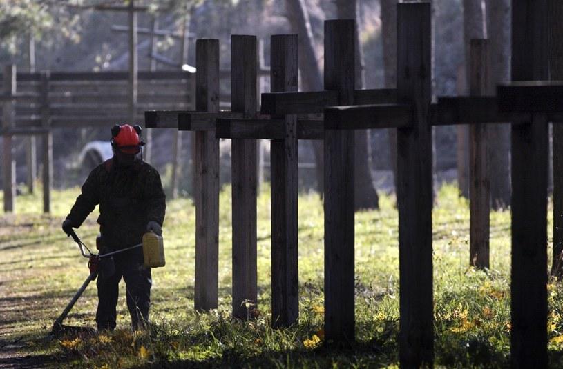 Krzyże w Kuropatach /SERGEI GRITS /East News