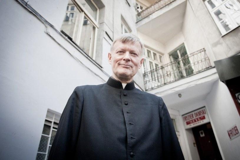 Ks. Andrzej Grefkowicz: Zły duch z nieba nie spada... /East News