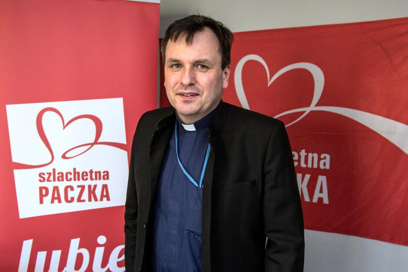 """Ks. Grzegorz Babiarz uważa, że to on jest prezesem """"Wiosny"""", a nie Joanna Sadzik /Jan Graczyński /East News"""