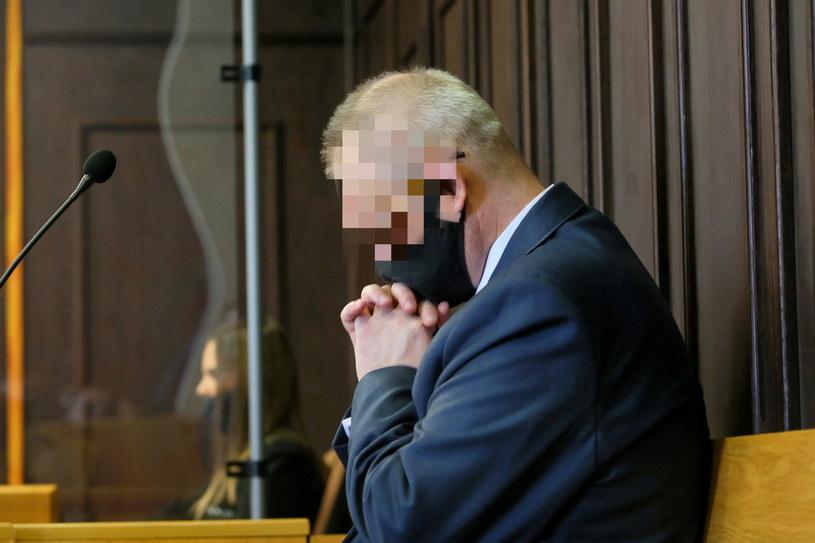 Ksiądz Arkadiusz H. na sali rozpraw Sądu Rejonowego w Pleszewie /Tomasz Wojtasik /PAP