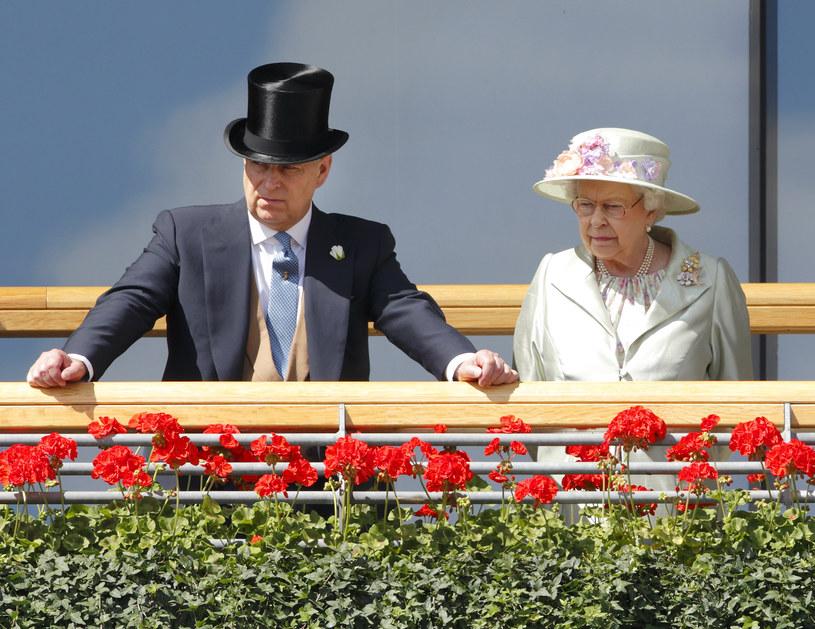 Książę Andrzej i królowa Elżbieta /Max Mumby/Indigo /Getty Images