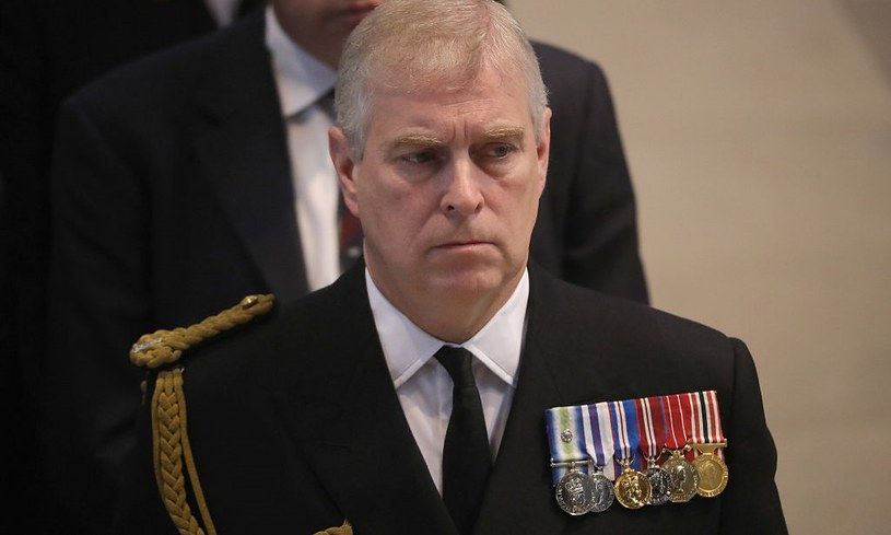 Książę Andrzej to ukochany syn królowej Elżbiety II /Christopher Furlong /Getty Images