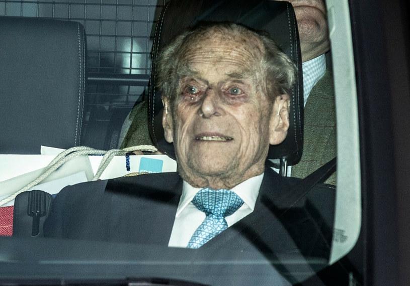 Książę Filip był małżonkiem królowej Elżbiety II przez ponad 73 lata. Zmarł w piątek rano na dwa miesiące przed swoimi setnymi urodzinami /Rex Features /East News