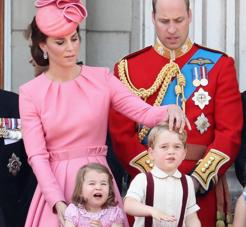 Książę George (4) i księżniczka Charlotte (2) jadą z rodzicami do Polski i Niemiec. Dla całej czwórki to pierwsza wizyta nad Wisłą. /Getty Images