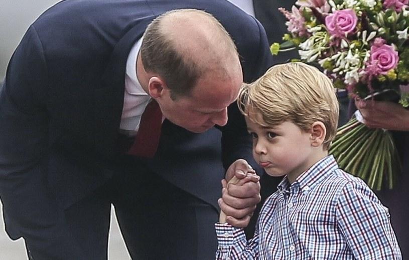 Książę George już niedługo nie będzie mógł odsłaniać nóg. Wymaga tego od niego dworska etykieta /Karolina Misztal /Reporter