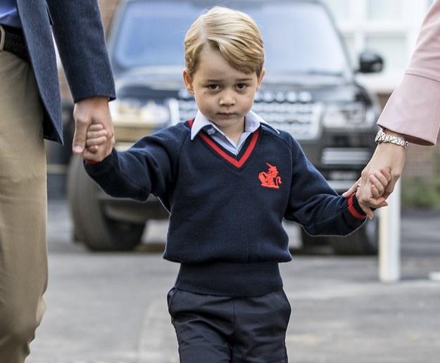 Książę George w drodze na pierwsze zajęcia w szkole /STR / POOL  /PAP/EPA