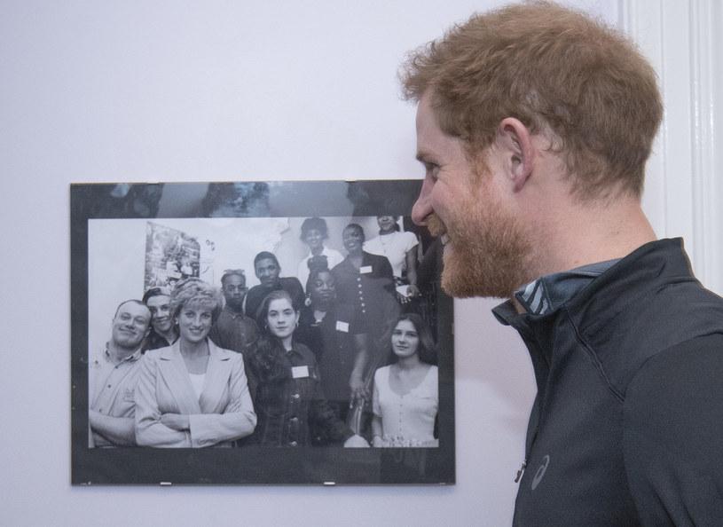 Książę Harry do tej pory tęskni za ukochaną mamą /WPA Pool /Getty Images