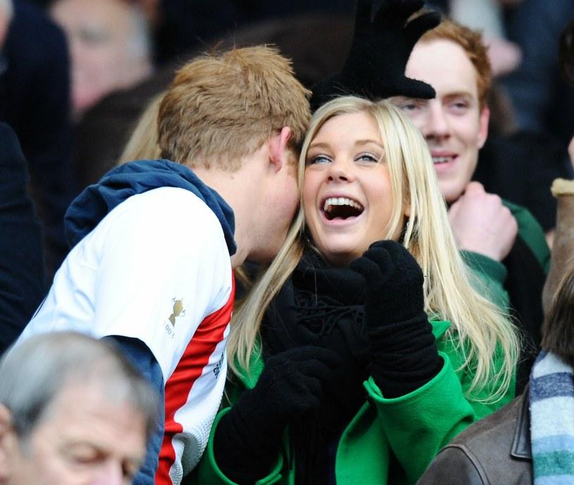 Książę Harry i Chelsy Davy na meczu rugby w 2008 roku /Rex Features /East News