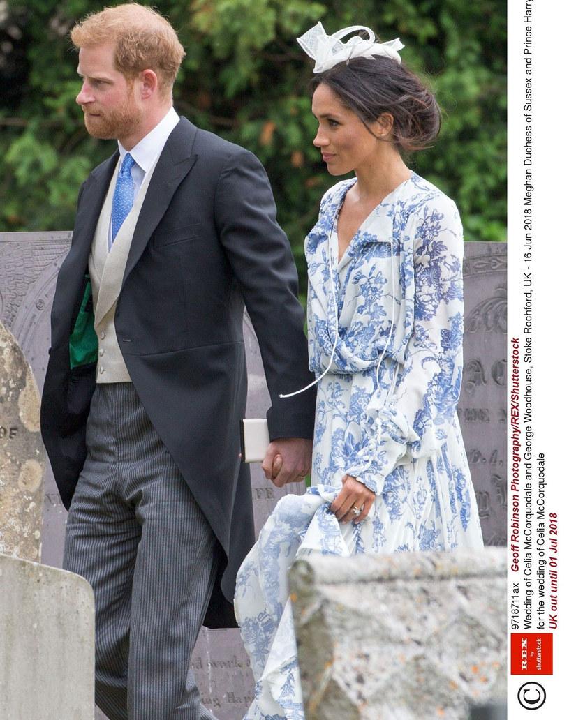 Książę Harry i księżna Meghan na ślubie kuzynki /Geoff Robinson Photography/REX/Shutterstock  /East News