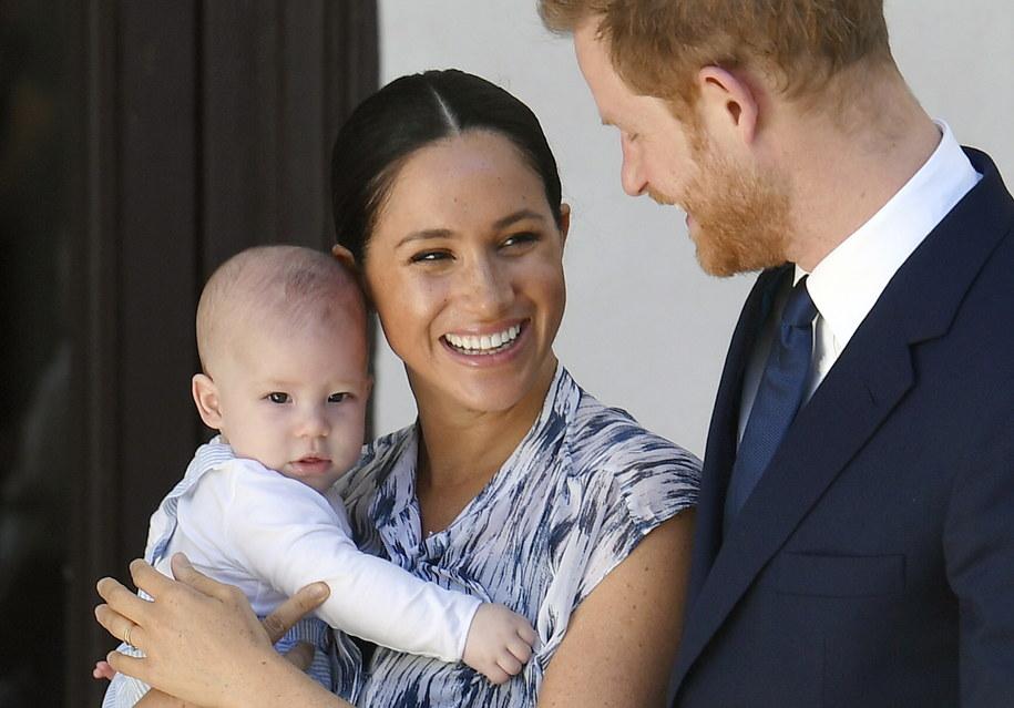 Książę Harry i księżna Meghan z synem /TOBY MELVILLE / POOL /PAP/EPA