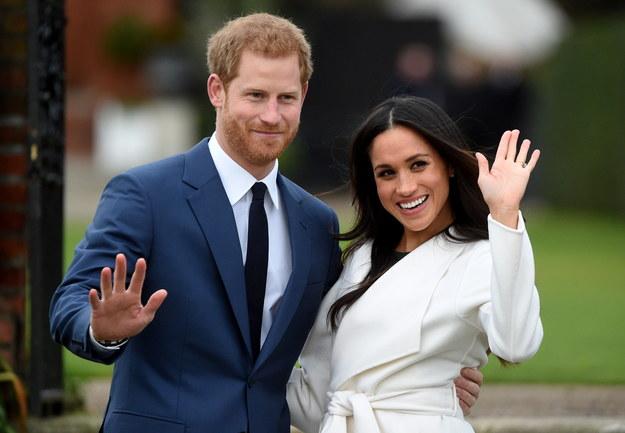 Książę Harry i Meghan Markle tuż po ogłoszeniu zaręczyn, 27 listopada 2017 /FACUNDO ARRIZABALAGA /PAP/EPA